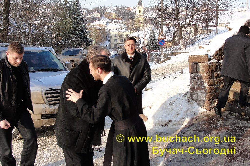http://buchach.org.ua/images/stories/04.01.10/001.JPG