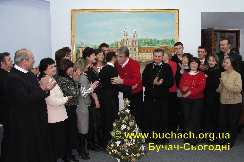 http://buchach.org.ua/images/stories/04.01.10/011.JPG